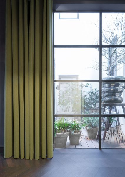 Antares is a solution driven curtain/drapery product that features a simple 'linen-look', woven face and coloured plain, reverse. This continuous durable wide width dim-out can be used as a standalone window treatment, or paired back with a patterned sheer for an updated, contemporary result.